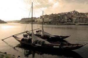 Porto - barco rebelo no Rio Douro   mementōs
